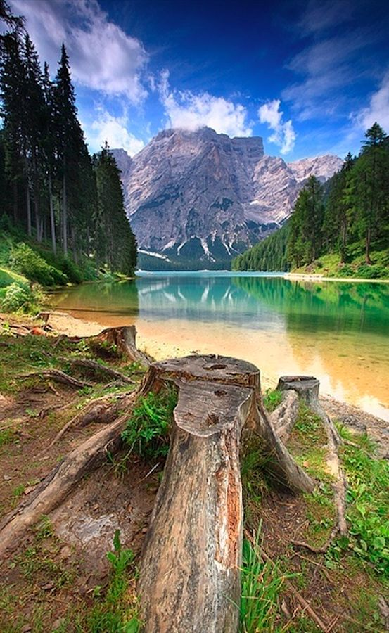 Lago di Braies in the South Tyrolean Dolomites of northern Italy • photo: Salvo Orlando on Pixdaus