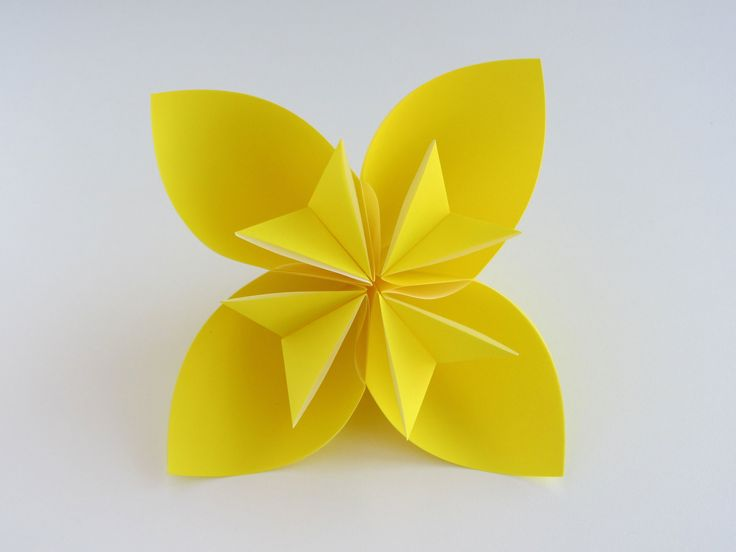 How to make the Easy Origami Kusudama Flower. Step by Step Instructions. See our website for more Origami Instructions: www.origami-instructions.com