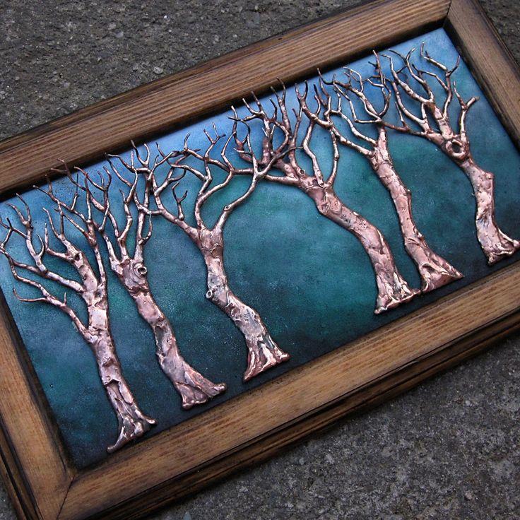 V šeru mění tvář... POZOR: TENTO OBRAZ JE JIŽ PRODÁN. Podobný vám ovšemna vašepřánímůžu vyrobit. Doba výroby závisí na okolnostech. Uvádím 2 měsíce. Může to však být i méně. Autorský cínový obraz 39 x 23 cm (měřeno s rámem). Rám ručně barveý, podklad ručně barvený Stromy cínované, napatinované mědí, ošetřené antioxidantem. Nejedná se o ...