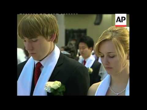 Thousands Marry in Mass Wedding at 'Moonies' Church in South Korea - YouTube