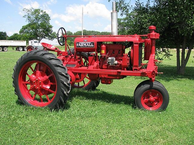 Old Farmall - looks good!