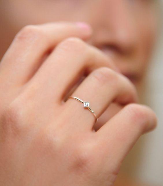 Inspirações para anéis de noivado minimalistas – Accessories