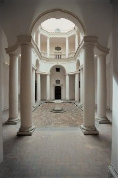Church of San Carlo alle Quattro Fontane, by Castelli Francesco known as Borromini, 1665 - 1667, 17th Century, Unknow. Italy, Lazio, Rome, San Carlo alle Quattro Fontane Church. View cloister elongated octagonal plan lower order twin Doric columns connected by continuous cornice pattern evident also in the upper order.  - stock photo