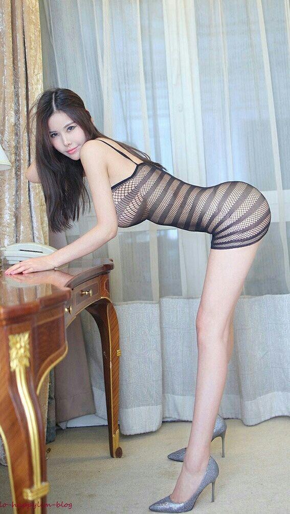 Beautiful Long Sexy Legs 80