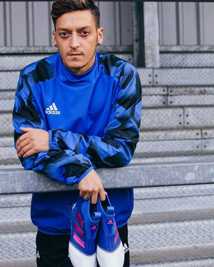 240412ebe Ozil Mesut, Football Players, Real Madrid, Fifa, Rain Jacket, Arsenal,