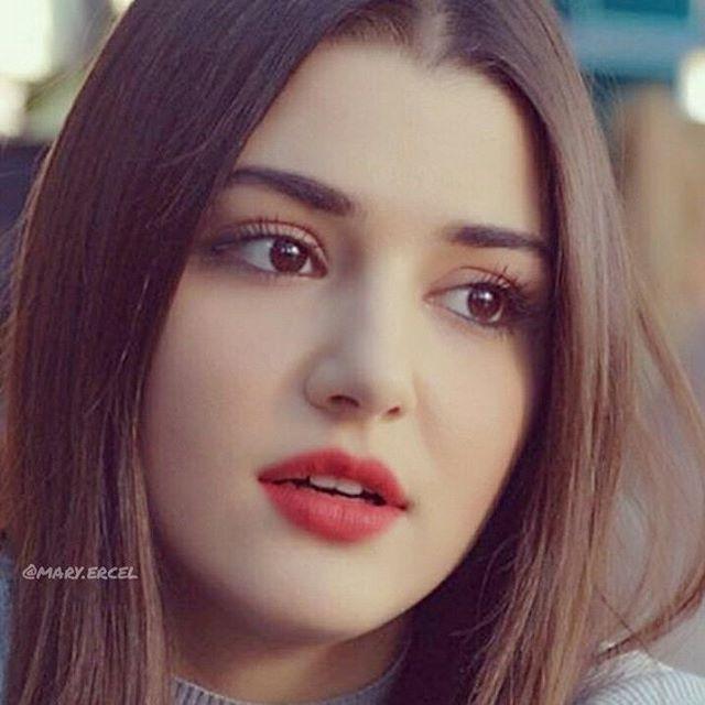 "288 Beğenme, 4 Yorum - Instagram'da Hande Erçel   (@mary.ercel): ""جميلتي ❤ . Follow/ Takip @mary.ercel . . #handeercel #handeerçel #handemiyy  #hefc #selin…"""