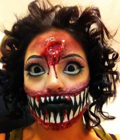 scary and freaky diy halloween face paint ideas - Scary Faces For Halloween With Makeup
