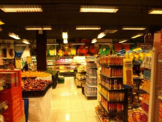 Hardy supermarket sanur