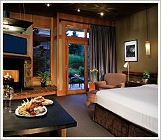 The Willows Lodge #Seattle - So it's outside of Seattle by 30min - it feels a lot further away but in a good way. Cosy rooms with a fireplace in a country setting.  Very restful and peaceful here.