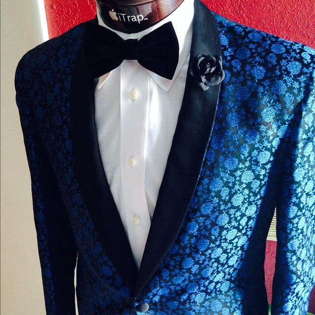 "Splash of the Day: ""ONCE A DUDE START WEARING SILK DINNER JACKETS AND VELVET SLIPPERS, CLUTCH YOUR GIRL HAND REAL TIGHT..GAME TIME!"" #BernieAndDuff Certified! #RespectMyFresh 100% Silk floral..."