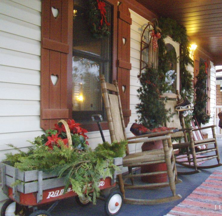 Country Front Porch Ideas: A Country Christmas Porch With Rustic Rocking Chairs