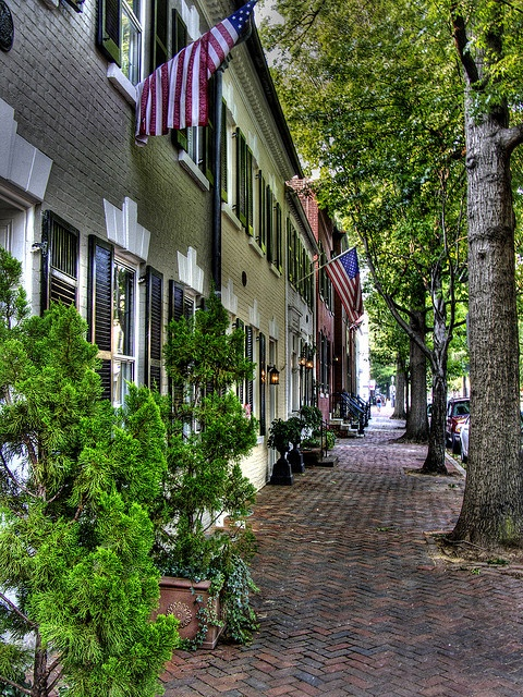 I WANT TO LIVE IN OLD TOWN ALEXANDRIA