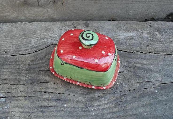 kleine Butterdose aus Keramik-Handarbeit von schuetzkeramik via dawanda.com