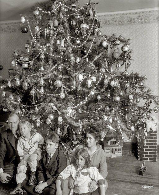 """Dickey Christmas tree, 1915."" Family of Raymond Dickey, whose photos are a Shorpy Christmas tradition."