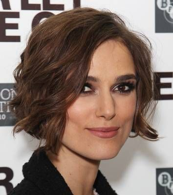 Keira Knightley  Dave Hogan // Getty Images  Bobs are great on a square face, as long as they are soft and layered. Avoid a sharp, blunt bob, which will only accentuate your jaw, making the boxiness apparent.  This wavy style is perfect for Kiera's square face. The curls add a softness, yet the short cut is still very edgy, much more so than the boring long locks the star used to sport.