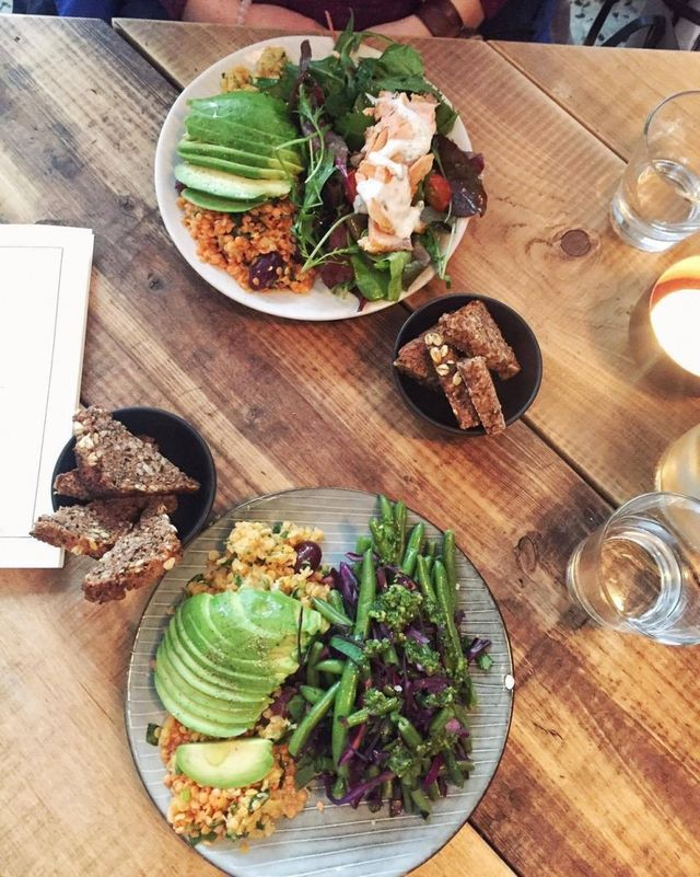 Til grøntsagselskeren – 5 sunde caféer i København.