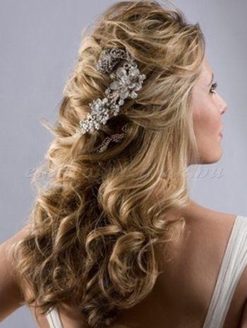 félig+leengedett+esküvői+frizurák+-+félig+feltűzött+menyasszonyi+frizura+