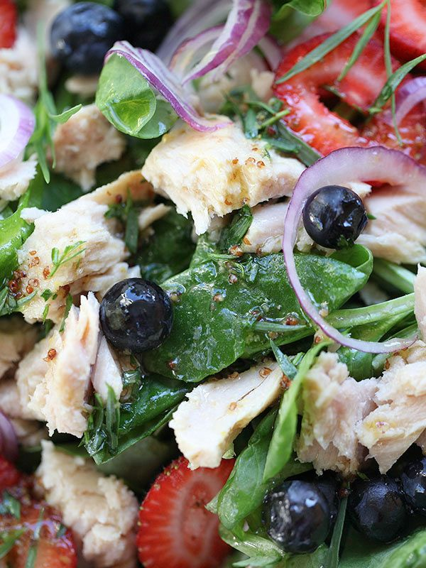 Summer Berry Spinach Salad (with tuna) | FoodieCrush