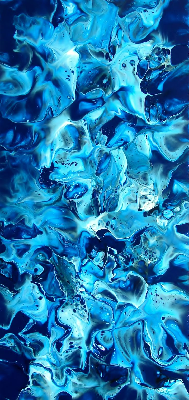 This painting makes me very happy. Looking it reminds me of water. All the ways that the colors are going reminds of the waves in the ocean. Its very relaxing.