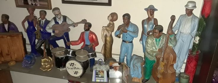 Looking for a cool Christmas gift? How about these creative ceramics? Available on Etsy and Amazon. Visit adasstudent.weebly.com for details. (Unapologetic and shameless plugging for my Mom's side business. Yes I am!) #AfricanAmericanArt #blackart #artsandcrafts