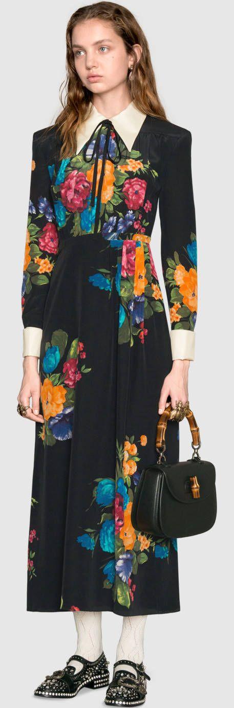 Shoppen Sie im offiziellen Gucci Online Store. Entdecken Sie die neuen Kollektionen von Alessandro Michele: Kleidung, Taschen, Schuhe und Accessoires.