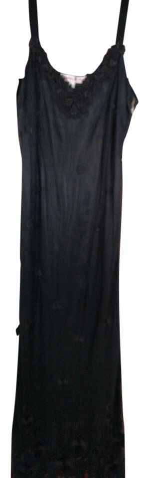 Martin McCrea Black Embroidered Sheer Mesh Tulle & 100% Silk Charmeuse Slip Dress. Free shipping and guaranteed authenticity on Martin McCrea Black Embroidered Sheer Mesh Tulle & 100% Silk Charmeuse Slip DressDesigner Martin McCrea has by far the best quality...