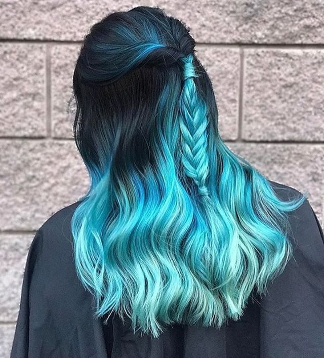 {#VPInspiration} Love this mermaid hair to die by @emmajeanhairpainter More hair inspirations, please follow @vpfashion