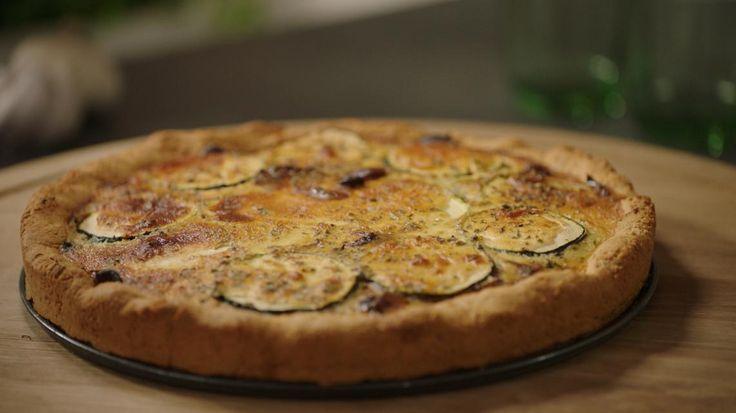 Quiche met courgette, spinazie en champignons | VTM Koken 4 extra eieren en extra amandelmeel extra minuten in oven