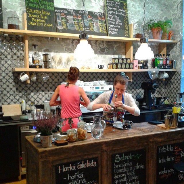 LA BOHEME CAFE - PRAGUE 2. Sázavská 2031/32, 120 00 Praha 2-Vinohrady. Tél. 734 207 049.