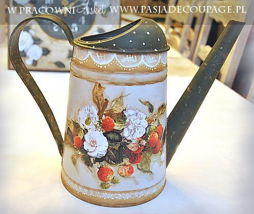 konewka w stylu rustykalnym - decoupage i decorative painting