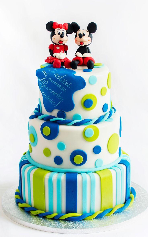 Mickey si Minnie, doua figurine pe care cei mici le indragesc atat de mult, isi doresc din tot sufletul sa participe si la petrecerea de botez a copilului tau si nu oricum, ci impreuna cu acadelele si tortul special decorat pentru zi de sarbatoare. Pret: 350 ron.