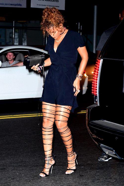 rihannanavyhn:  Rihanna arrives at Travis Scott's concert in NYC.