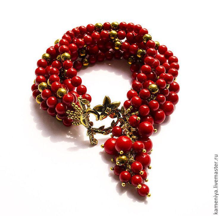 Купить Коралловый браслет многорядный с подвеской RED - ярко-красный, красный, коралловый, коралловый браслет
