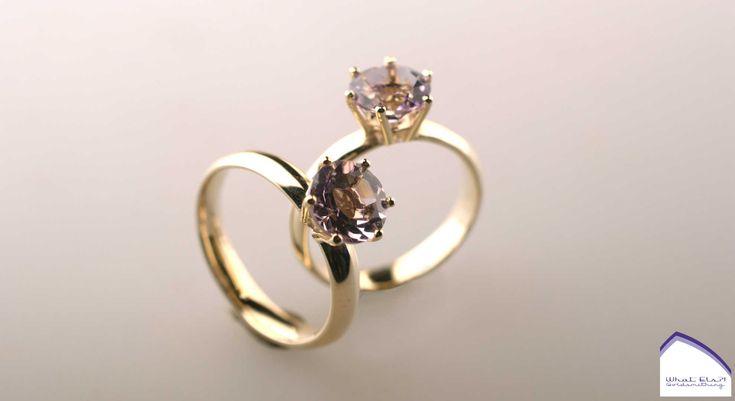 18kt geelgouden ringen met Amethist, gemaakt van de oude trouwring van hun vader.