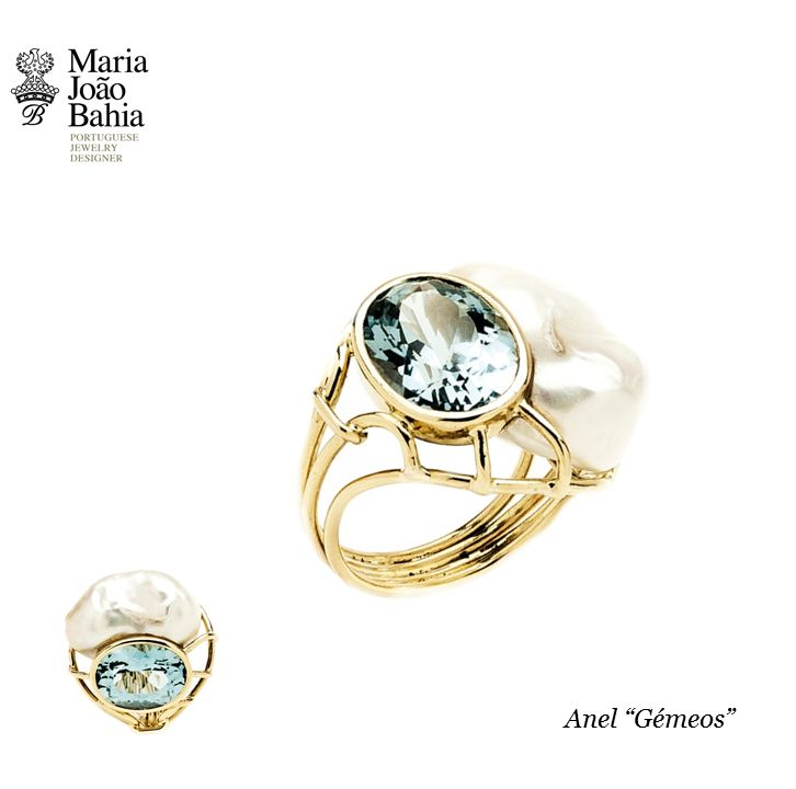 """Twins"" Ring Yellow Gold, Pearl and Aquamarine Incredible piece  #MariaJoãoBahia, #authorjewelry ""...elegance is an attitude"" #30anniversarymariajoaobahia #joiasdeautor #30anosmariajoaobahia #DJWE16 www.mariajoaobahia.pt"