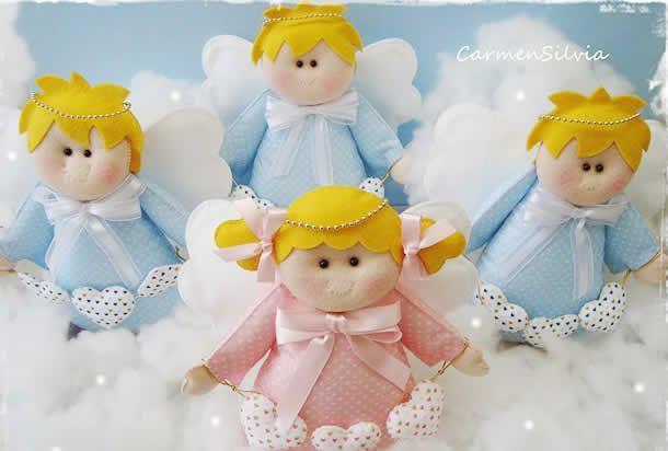 Compartilho com você 17 moldes Anjinhos de feltro para baixar. São diversos modelos de anjos, com apostilas e passo a passo para presentear e decorar.