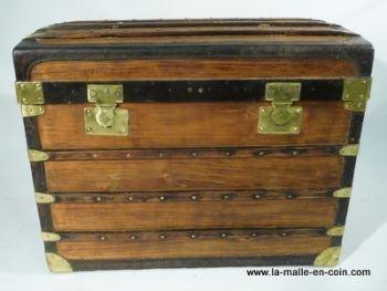 9 best images about malle et coffre bois wood trunk on pinterest. Black Bedroom Furniture Sets. Home Design Ideas
