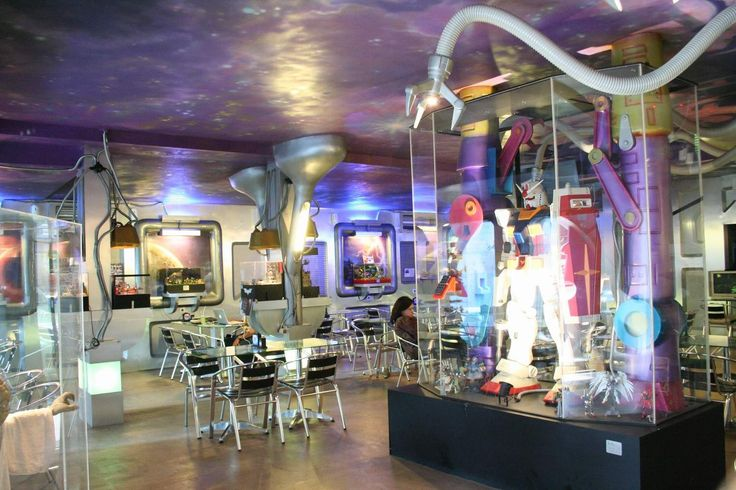 Iniko Toys Cafe a unique place designed and and futuristic interior resembles a spaceship, like the kind often see in Hollywood science fiction flicks. http://www.goindonesia.com/id/indonesia/jawa/jakarta/makanan/restauran/iniko_toys_cafe