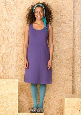 Gudrun Sjödéns #Naturmode und Bio-Kleidung - Das einfarbige Trikotkleid ist perferkt kombinierbar mit allen Kleidungsstücken und bezaubert mit einen tollen Rundhalsausschnitt. Bestelle jetzt dein ärmelloses Kleid aus angenehmem Lyocelltrikot: http://www.gudrunsjoeden.de/mode/produkte/oeko-naturmode