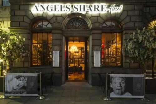 Angels Share Hotel Edinburgh Situated in the heart of Edinburgh's West End, Angels' Share Hotel is just 500 metres from Edinburgh Castle.