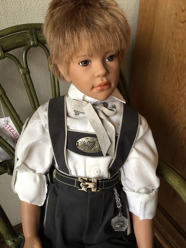 Sigikid Puppe Tobias von Ilse Wippler Kleidung M. Eder, limitiert Größe 68 cm..... Painted eyes !