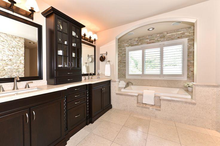 Luxury En-suite, Custom Home #NewHome #Construction #Design #SoakerTub #Ensuite