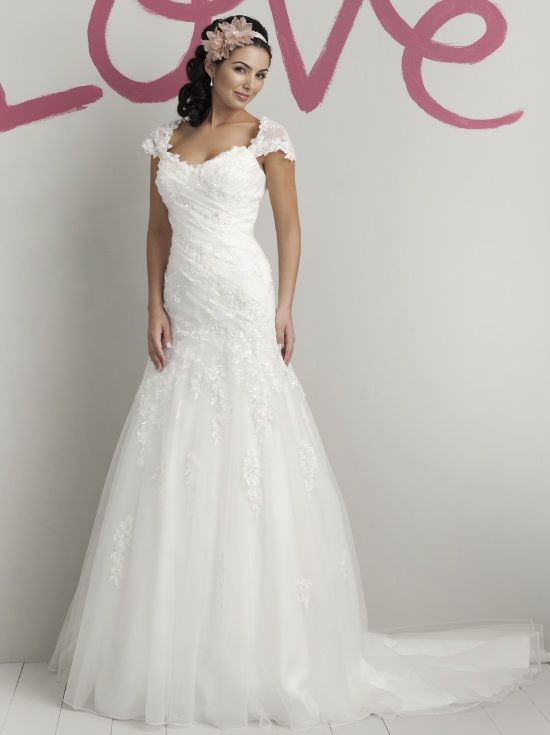 Dropped waist wedding dress with lace bodice and tulle skirt, Sweetheart -5972