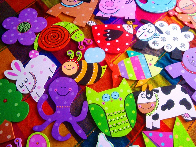 Magnets / Imanes by rebeca maltos, via Flickr