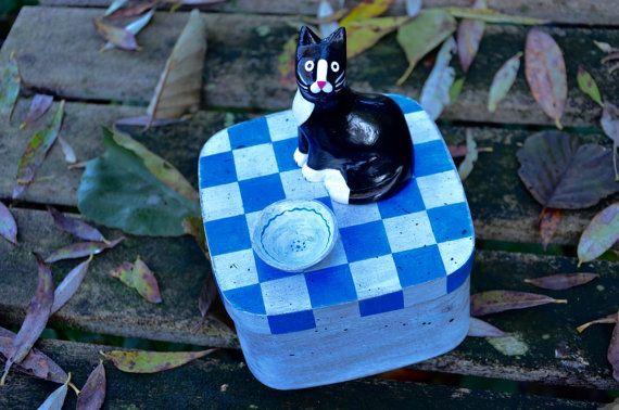 Vierkant spanen Houten kattensnoepjes bewaar doosje - handbeschilderd - volkskunst  -  kat beeldje