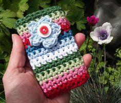 30 Stylish DIY Crochet Phone Cases 30