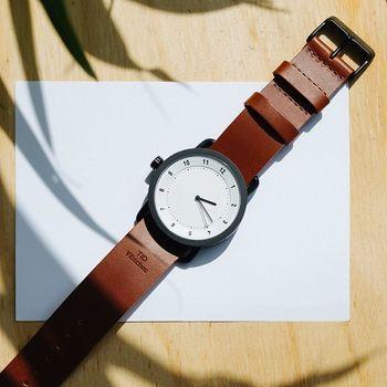 シンプルで無駄のないデザインと機能性が魅力のスウェーデンの腕時計ブランド「TID Watches(ティッド ウォッチズ)」。2015年2月に日本に上陸を果たし、8月からは本格的なデリバリーをスタートしました。