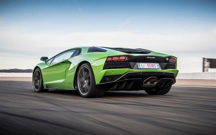 Descargar fondos de pantalla Lamborghini Aventador S, 2017, rear view, sports car, green Aventador, racing car, Lamborghini