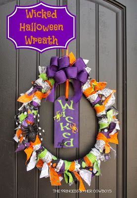 The Princess & Her Cowboys: Wicked Halloween Wreath with Bow Tutorial