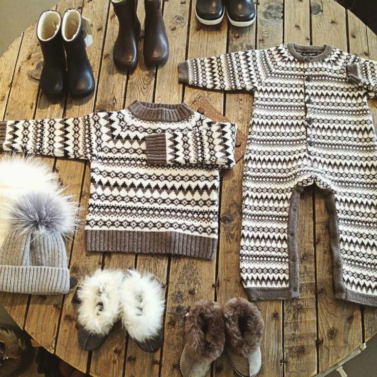 icelandic baby clothes // the farmers market, reykjavik, iceland